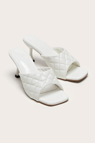 front_Square Toe Mid Heel White Sandals