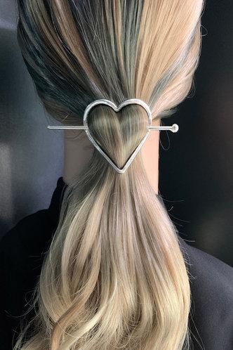front_Inger Elsie Sliver Heart Decor Hairpin