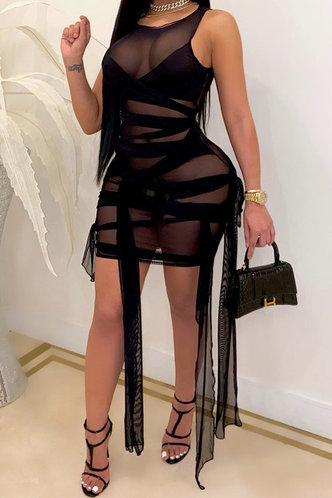 front_Eveline Emily Black Plus Dress