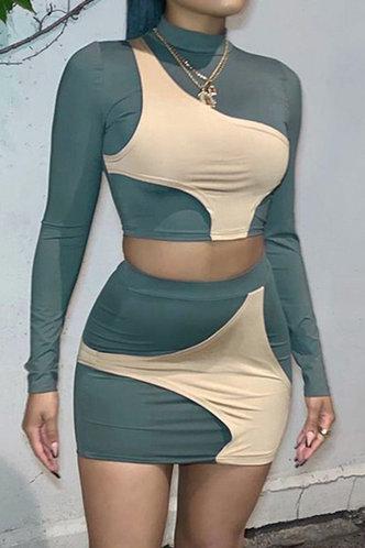 front_Color Block Regular Sleeve Long Sleeve Elastic Band Green And Beige Skirt Set