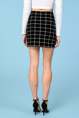 back_Checkered Past Black Plaid Skirt