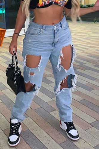 front_Marnie Erin Wash Light Blue Jeans