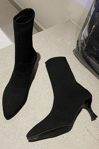 back_Solid Color   High Heel Point Toe Black Boots