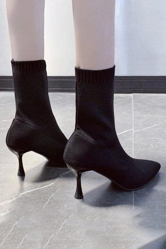 back_High Heel Point Toe Black Boots