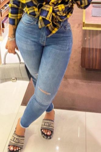 front_Mid Waist Plain Wash Light Blue Women Jeans