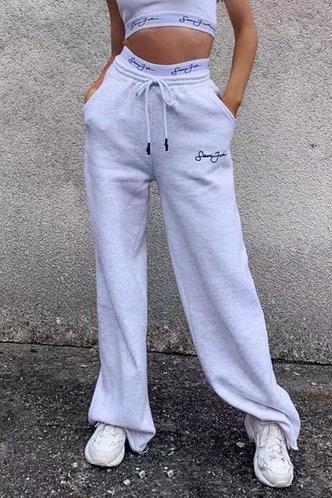 front_Esther Pilk Light Grey Pants