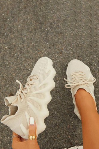 back_Plain Low Heel Round Toe Beige Sneakers
