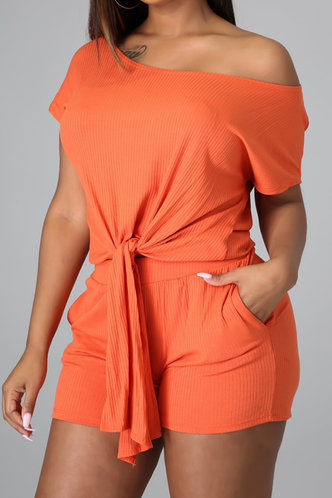 front_Victoria Emily Orange Set