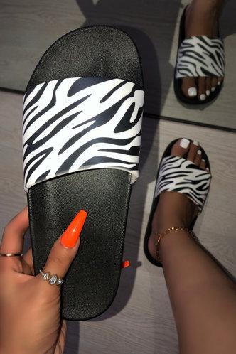 front_Evangeline Esther Zebra Striped Slides