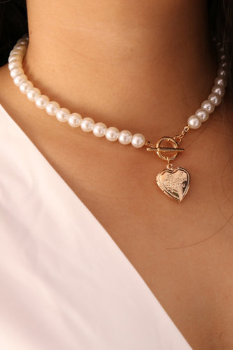 front_Goldie Eleanore White Faux Pearl Heart Pendant Necklace
