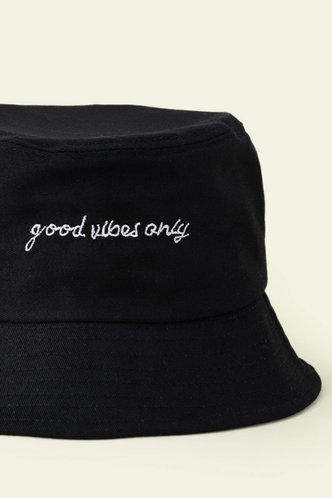 back_Lauren Elva Black Hat & Glove