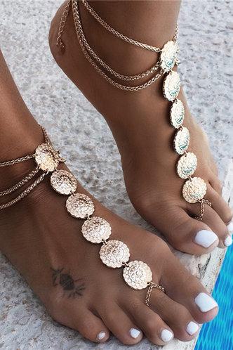 front_Amy Elizabeth Gold Toe Ring Anklet