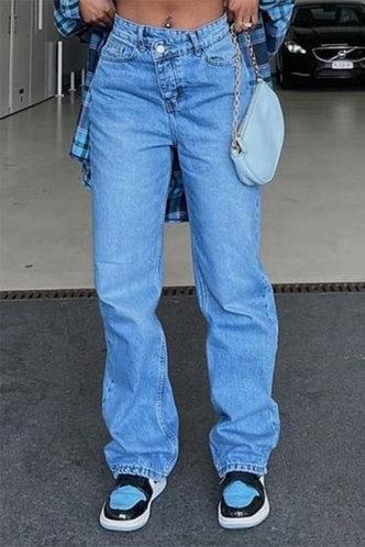 front_Plain Wash Blue Women Jeans