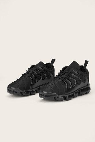 back_Coral Ethel Black Sneaker