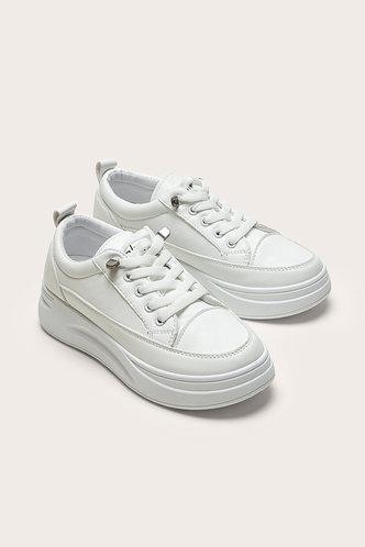 front_Odelette Edwina White Skate Shoes