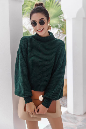 front_Novia Dark Green Sweaters