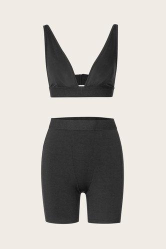 back_Pullover Seamed Black Shorts Sets