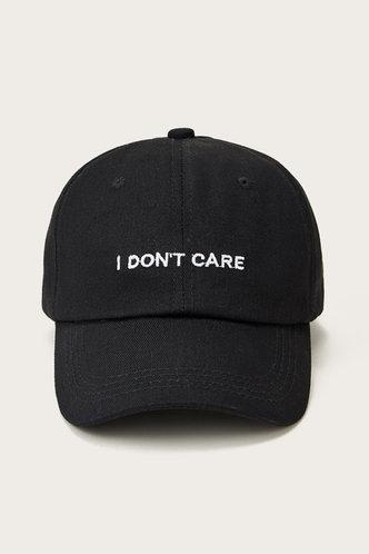 front_Genevieve Memorind Black Hat & Glove