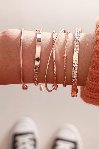 front_Maisie Elizabeth Gold Bracelet 5pcs