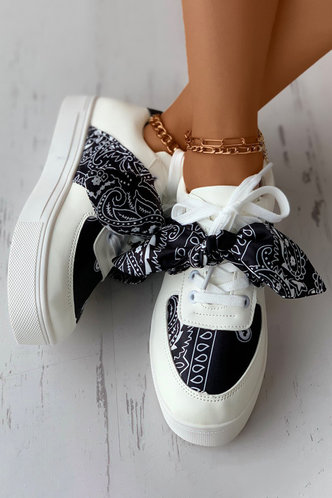 back_Flat Round Toe Paisley Print Sneakers