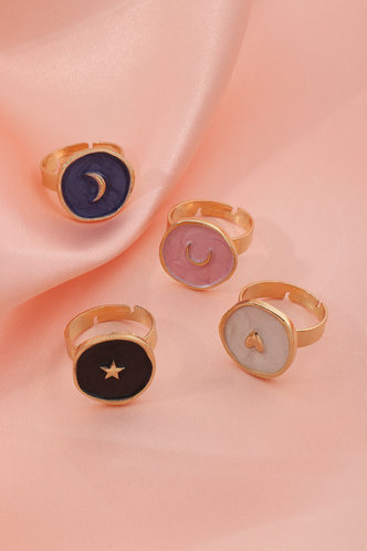 front_Natalie Elizabeth Multicolor Moon & Star Charm Rings 4pcs