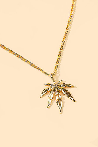 back_Stella Elizabeth Gold Maple Leaf Charm Necklace
