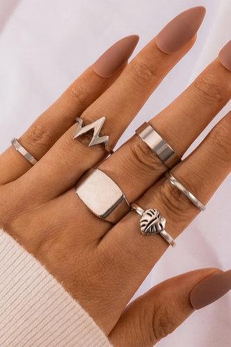 front_Rosa Ella Sliver Heart Detail Ring 6pcs