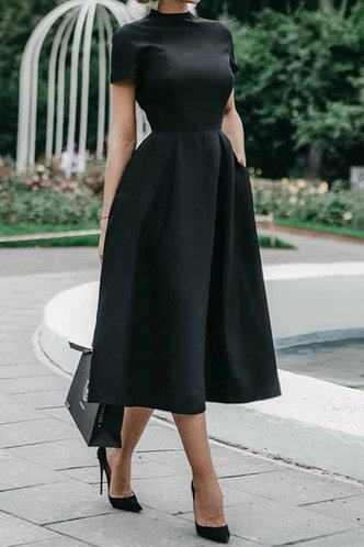 front_Debby Nomum Black Short Sleeve Dress