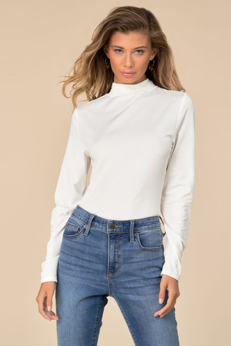 back_Finely Fitted White Turtleneck Top