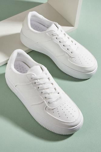 front_Gabrielle Homar White Skate Shoes
