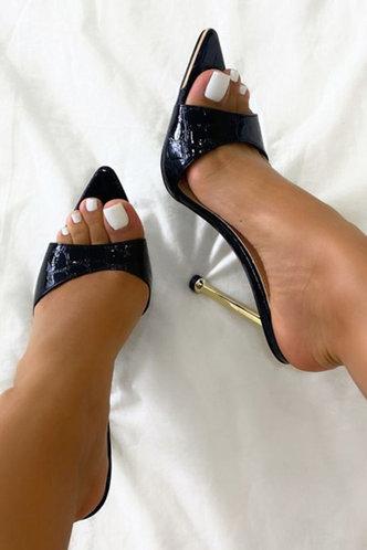 back_Isis Elvira Black Heeled Sandals