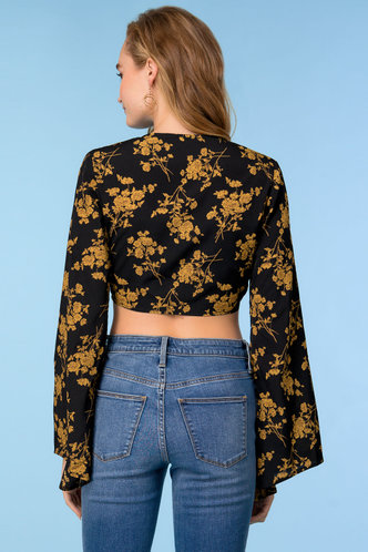 back_Feeling Flirty Black Floral Print Top