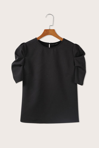 front_Round Neck Short Sleeve Regular Sleeve Black Blouses