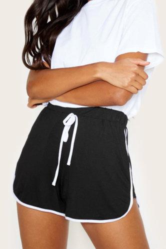 front_Hedda Kredeblo Black Shorts