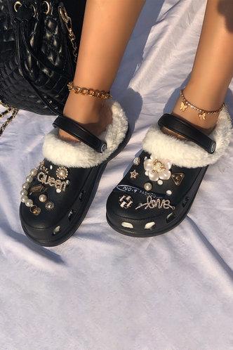 back_Round Toe Flat Black Sandals