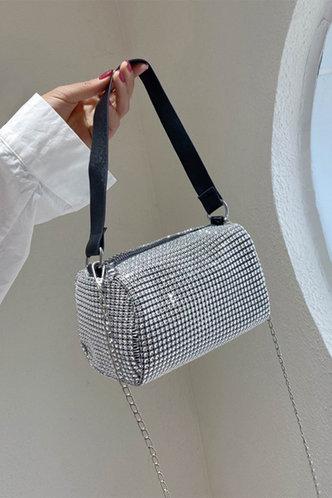 back_Metallic Zipper Up Silver Shoulder Bags